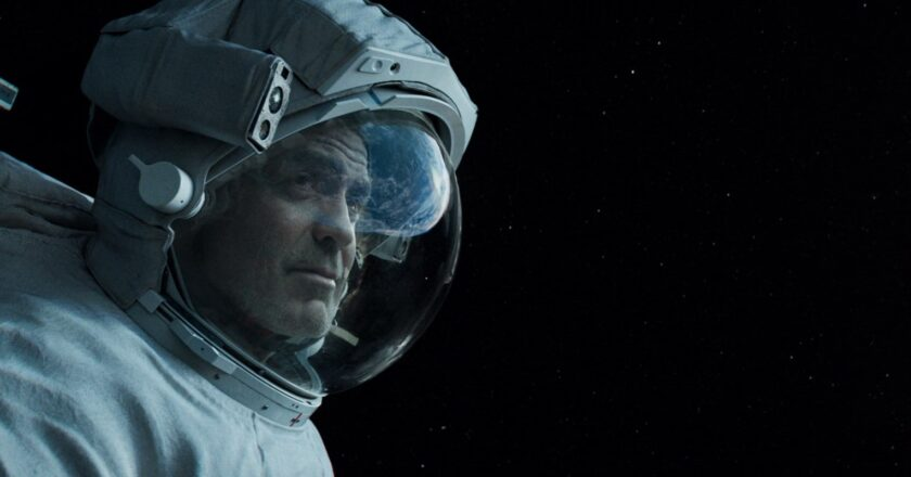 Download Gravity (2013) Dual Audio {Hindi-English} 480p [300MB] || 720p [1GB] || 1080p [3.1GB]